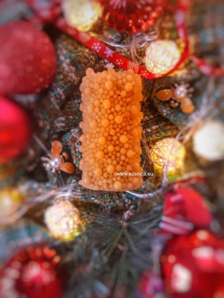 Svijeće od pčelinjeg voska su ručno napravljenejpeg