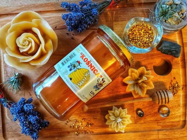 Med od lipe ili lipov med ima karakterističan miris i okus lipe.
